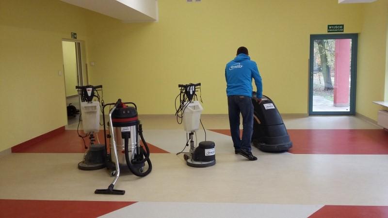 Sprzątanie biur i powierzchni biurowych